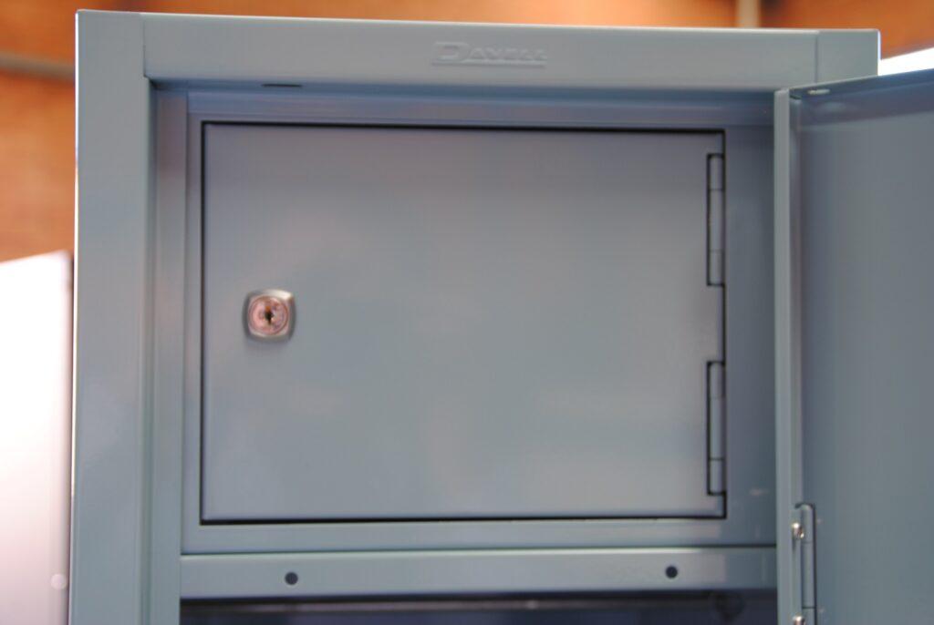 Lockable Internal Compartment